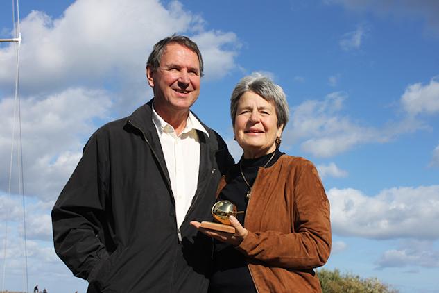 Lisbeth och Erik Lövendahl  med Årets Guldäpple|Coomon Sense
