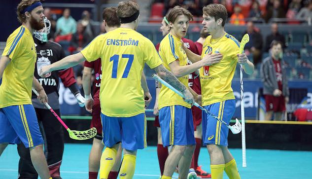Sverige jublar efter mål mot Lettland.  : Per Wiklund