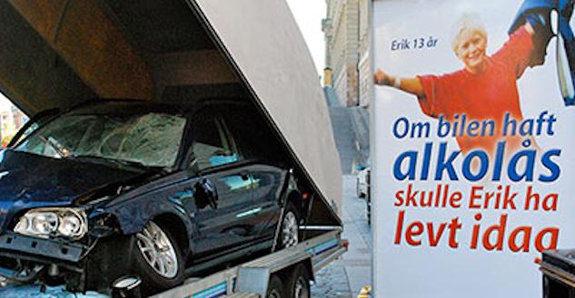 Bilden och texten säger väl det mesta. Undrar om föraren överlevde och kan leva med det?©  : MHF