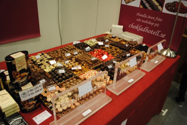 Även sötsaker att stoppa i munnen erbjöds till besökaren. Här från Pralinhuset i Stockholm.|© : Sara Nilsson