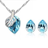 18 Karats guldpläterat halsband med tillhörande örhängen.